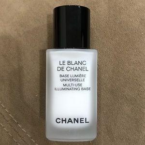 NWT Chanel Le Blanc De Chanel Base